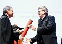 Prof. Lance Bennett receiving honorary doctorate University of Bern